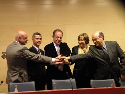 Els màxims representants en la firma del conveni