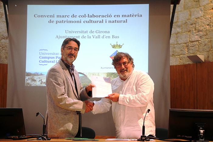 La Universitat de Girona i l'Ajuntament de la Vall d'en Bas signen un conveni de col·laboració en matèria de patrimoni cultural i natural